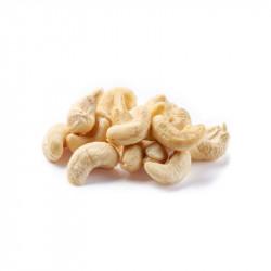 Kešu ořechy celé přírodní W320
